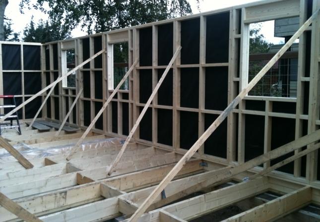 Bouwpakket huis huisje van hout for Zelf woning bouwen prijzen